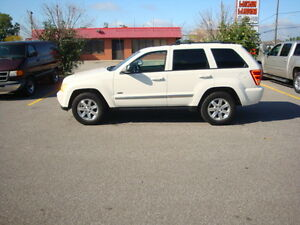 2010 Jeep Grand Cherokee North Edition!  Low kms!  Rare Truck!