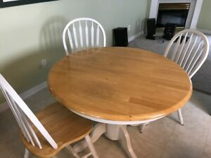 kitchen table and 6 chairs