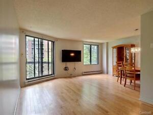 * Condo 4th Floor * View on Water, 2 Bdrms, 1.5 Bth, 1 Garage *