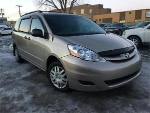TOYOTA SIENNA CE 2008 AUTO/AC/CD PLAYER/CRUISE/TRÈS PROPRE !!