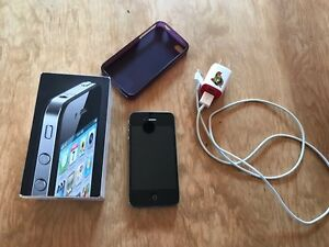 Selling an Apple iPhone 4– 8GB for $60 or best offer