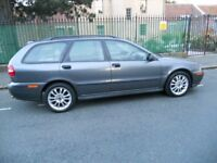 Low mileage-Service history V40 - leather interior