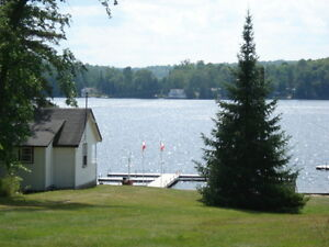 Water front cottages on Lake Cecebe
