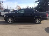2008 Chevrolet Avalanche LTZ 4WD, Leather, Sunroof,DVD