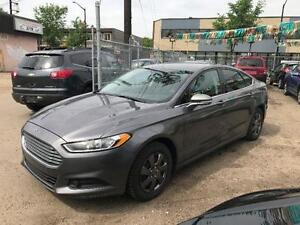 2013 Ford Fusion SE EcoBoost, Manual, CLEAN, LOW KMs