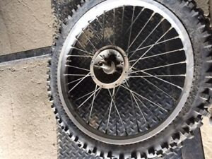 Motocross wheel and tire