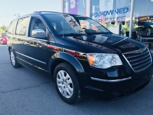 2010 Chrysler Town & Country STOW N GO *SUMMER SALE* Limited LEA