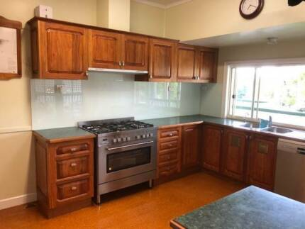 Kitchen Cabinets, Benchtops  and Appliances