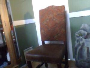 Superbes chaises Pier1import
