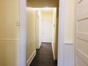 Bright Spacious 2 Bedroom, Downtown, Laundry