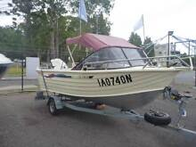 2001 Bermuda 455 Island Coral  powered by 60hp Mariner on Dunbier Toronto Lake Macquarie Area Preview