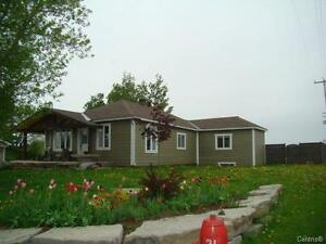 Open house today 2-4p.m. Campbell's Bay, QC