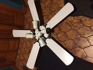 White four light ceiling fan like new