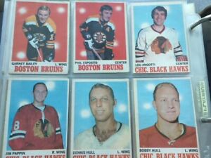 Almost complete 1970-71 O-Pee-Chee hockey card set