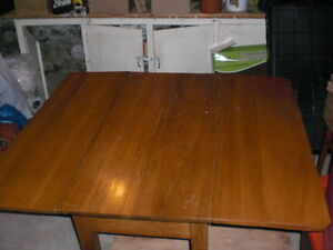 Old Folding Wooden Table Kawartha Lakes Peterborough Area image 3