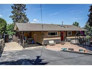 Open House! Updated 3bed 3bath rancher nestled in North Rutland
