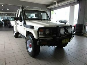 2004 Toyota Landcruiser HDJ79R (4x4) White 5 Speed Manual 4x4 Cab Chassis Thornleigh Hornsby Area Preview