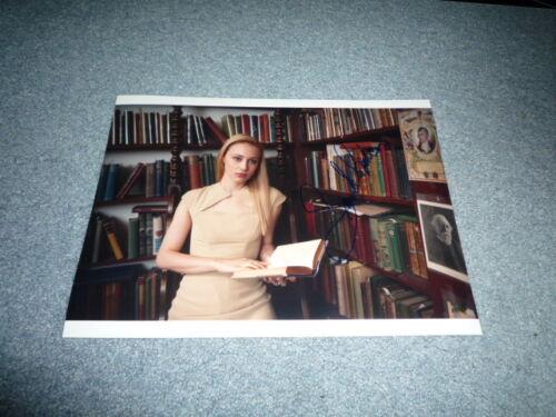 SARAH GADON signed Autogramm 20x25 cm In Person COSMOPOLIS Robert Pattinson