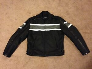 ALMOST NEW XELEMENT MOTORCYCLE LEATHER JACKET