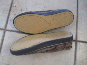 NEW Old Navy slip-on shoes, size 5 Kitchener / Waterloo Kitchener Area image 2