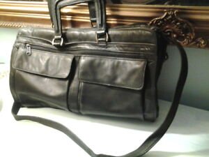 Leather Briefcase in very good condition $35.00 or best offer