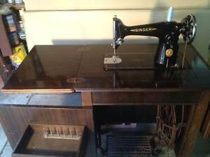 Singer 201K Treadle Sewing Machine in polished timber cabinet Bentleigh Glen Eira Area Preview
