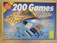 200 Great Family Games in Spruce Wood Box