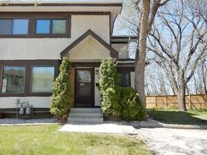 *** Gorgeous End Unit *** must see!!