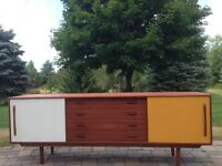 MID CENTURY LONG TEAK SIDEBOARD - Live In Retro!