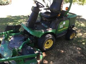 John Deere out front ride on mower Kemps Creek Penrith Area Preview