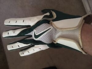 NIKE FOOTBALL Gloves. Size L.