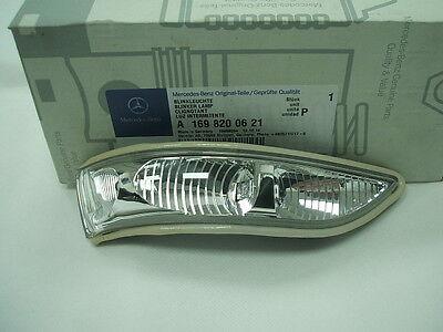 Genuine Mercedes-Benz W169 A-Class RH Mirror Repeater Indicator Lamp A1698200621