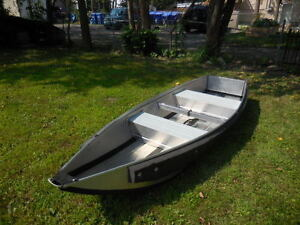 Folding boat with electric motor