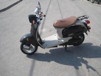 Preowned 2001 Yamaha Vino 50cc Low Speed Scooter
