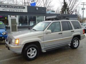 1995 Jeep Grand Cherokee Limited, ZERO RUST!! RARE FIND!!