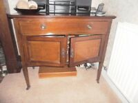 Antique mahogany dressing table/sideboard