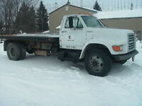 1999 Ford F800 parts or complete