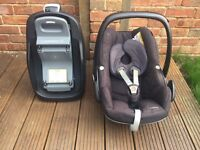 Maxi Cosi Pebble baby car seat & base (used) for sale - Pick up only £50