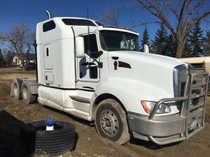 2012 T660 sleeper truck (Engine getting rebuilt)