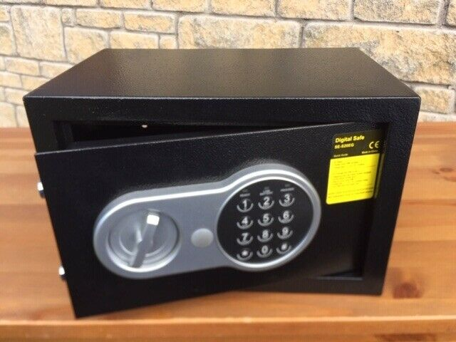 small time lock safe, digital code | in Dundee | Gumtree