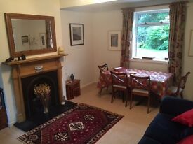 3 bedroom fully furnished home with a garden and a driveway to let on SHORT TERM basis.