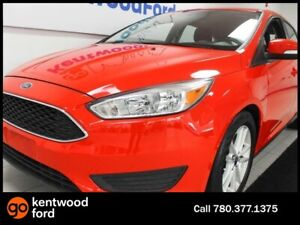 2015 Ford Focus SE- XY FWD hatch with heated seats and a back up