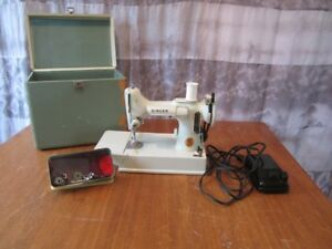 White Singer Featherweight Sewing Machine