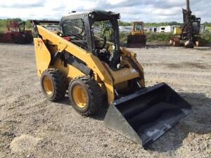 2014 Cat 262D Skid Steer Loader w/ Grapple and Bucket