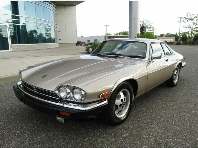 jaguar xjs v12 buying guide ebay. Black Bedroom Furniture Sets. Home Design Ideas
