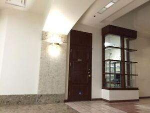 600sq/ft unit close to downtown Westmount square & metro Atwater