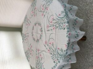 Round Tablecloths, Portuguese with Floral Patterns