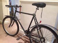 Tall Black bike good condition + lock - Bruntsfield Pick up
