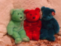 3 Collectable Bears. $25,00.for the 3