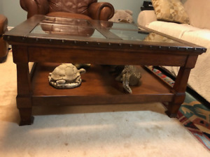 Coffee table, 2 Side Tables and cabinet